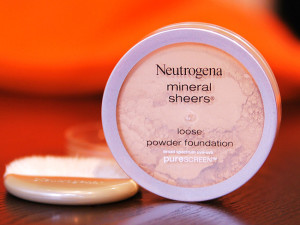 Neutrogena-Mineral-Sheers-Loose-Powder-Foundation